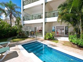 Leith Court 16 - Casual Beachfront Apartment