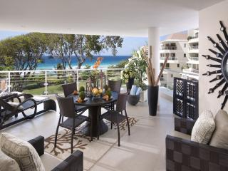 Palm Beach 405 - Elegant Beachfront Condo
