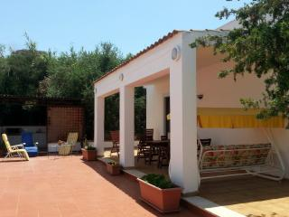 THE 7 OLIVE TREES GARDEN VILLA NEAR THE SEA, Balestrate