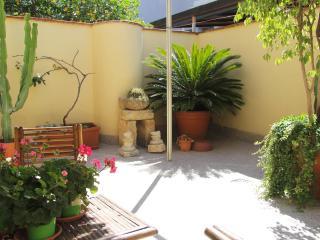Elegant apartment 100m from Duomo square, Catania