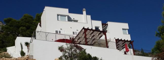 Südansicht der Panorama-Villa Murter