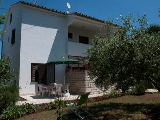 Family apartment near the sea for relaxation, Porec