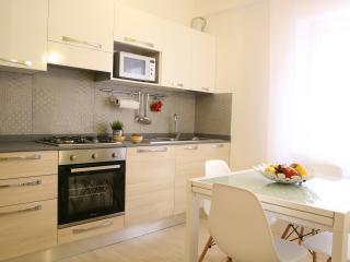 Cucina superattrezzata con forno a microonde