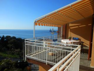CA' STELLA apartment with garden near the sea, Cipressa