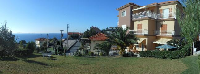 Front garden panoramic view
