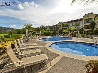 Special Deal, Stay 4 Pay 3 Nights!Dream Vacation Condo Ocean View, Pool, BBQ!, Herradura