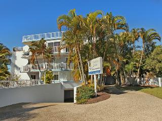 Unit 4, Coolum Sands Apartments, 34 First Avenue Coolum Beach, $200 BOND