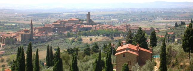 Panorama following the road up hill. Our Villa and the historic center of Castiglion Fiorentino.