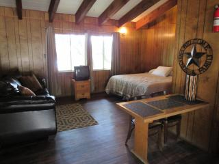 Canyon Lake Cottages - 1 Room