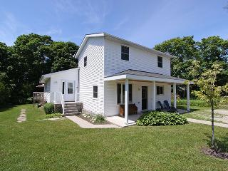 Huron View cottage (#734)