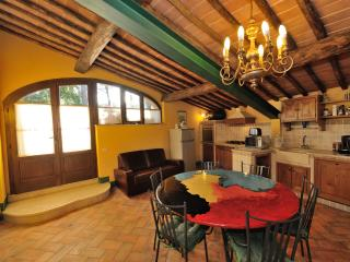 Beautiful Tuscan Villa not far from Siena 22 pax