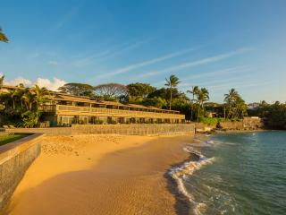 Kahana Sunset 2 BR Condo, Ocean View, Great Beach