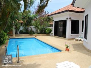 Villas for rent in Hua Hin: V6082