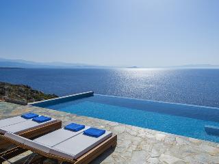 Costa Mare Seafront Villa, Acrotiri