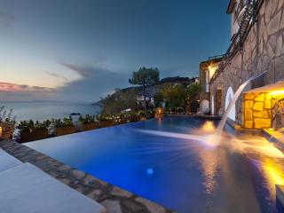 Villa Biancalisa - Luxury Villa Sorrento Coast with sea views, pool, beach, Wifi