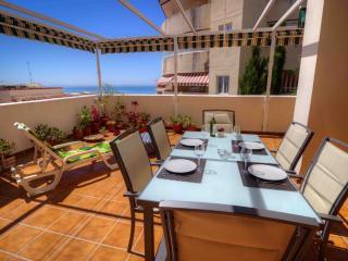 Elegant apartment,great location ideal 2 couples, Benalmadena