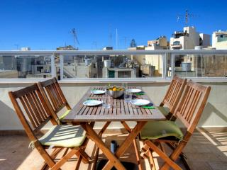 004 Spectacular Views Sliema 1-bedroom Penthouse