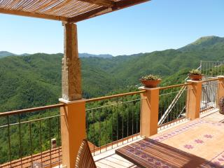 Maissana 'Holiday Apartment' with great terrace La Spezia, Liguria