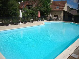 Beauregard - Sleeps 12, Saint-Germain-du-Bel-Air