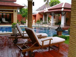 Exclusive 7BR Balinese Style Villa in Pattaya
