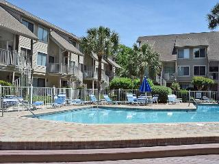 Courtside 115 - Forest Beach 1st Floor Flat, Hilton Head