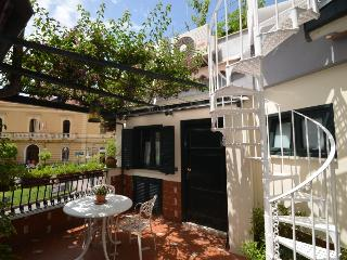Sorrento center Appartamento Elisa A, private terrace, wifi, air conditioning