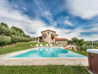 Villa Meraviglia private swimming pool Tuscany, Monte San Savino