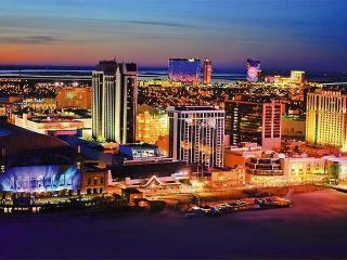 Brigantine, Atlantic City, walk to beach sleeps 6
