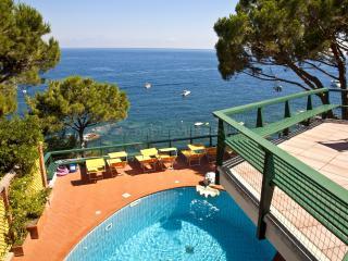 Luxurious 7 bedroom villa by the sea front on the Sorrento Coast, Marina del Cantone
