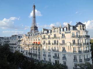 Eiffel Tower & rue Cler