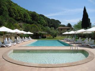 Il Casolare Val di Mare. Splendid country house near the sea!! 4 pax, Riparbella