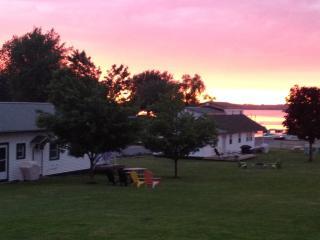 Seaway Slips Waterfront Cottages, Clayton