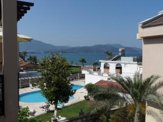 Calis Beach Apartment With Breathtaking Sea Views, Fethiye