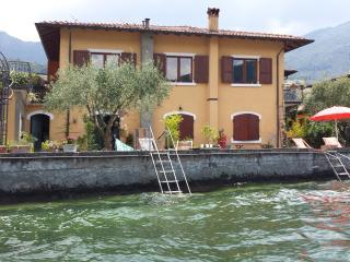 Casa Salini In Riva Al Lago D'Iseo