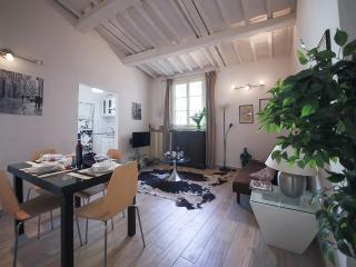 Pandolfini Roof Tuscan 1 Bedroom Apartment, Florence