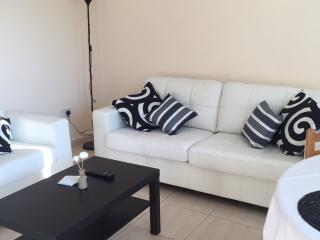 Constantia Gardens 4 Ground Floor 1 Bdrm Apt!!, Pafos