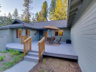 Sunny home w/ warming gas fireplace, private hot tub & SHARC access!