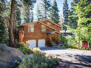 Sit out on the deck with your dog or soak in the private hot tub at this home!, Tahoe Vista