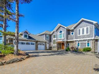 Nantucket Shores Estate, Pacific City