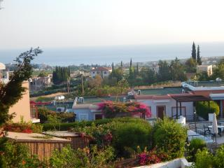 Luxuurious four bedroom house in a nice complex, Peyia