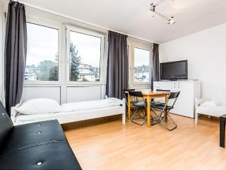 42 Cozy single apartment in Cologne Höhenberg, Köln