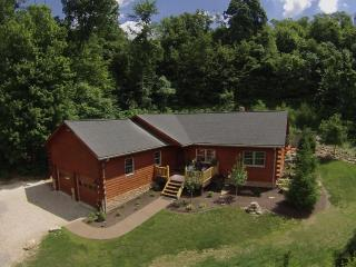 Columbia Woodlands Rock Path Cabin, Dover