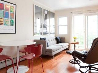 3 Bedroom, 2 Bathroom Condo in Brooklyn