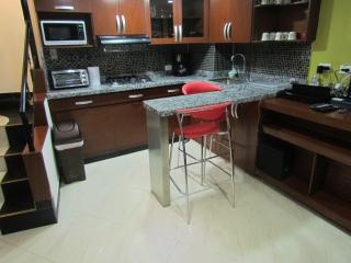 Park Lleras 2  Bedroom AC Hot Tub Calle 10, Medellin