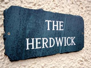 HERDWICK, en-suite, hot tub, woodburner, WiFi, flexible sleeping, Torver, Ref. 921822, Coniston