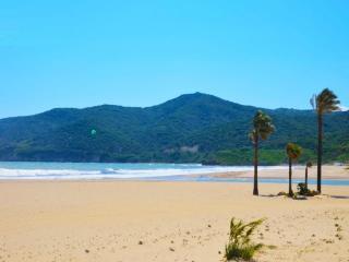 Gran apartamento junto a la playa con piscina, Algeciras