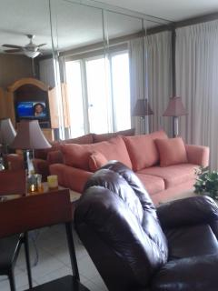 for rent at beach, king bed, 2 bunks,fold out couc, Miramar Beach