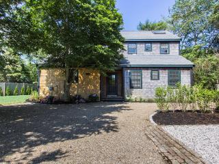 CALLA - Edgartown Village,  Lovely 4 bedroom Home, Recently updated, Quiet