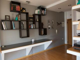 A 2Bdrm Modern Apt in the center of Athens, Atenas