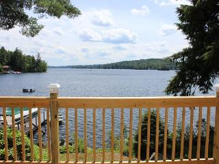 Outstanding Meredith Waterfront on Lake Winnipesaukee (MUT85W)
